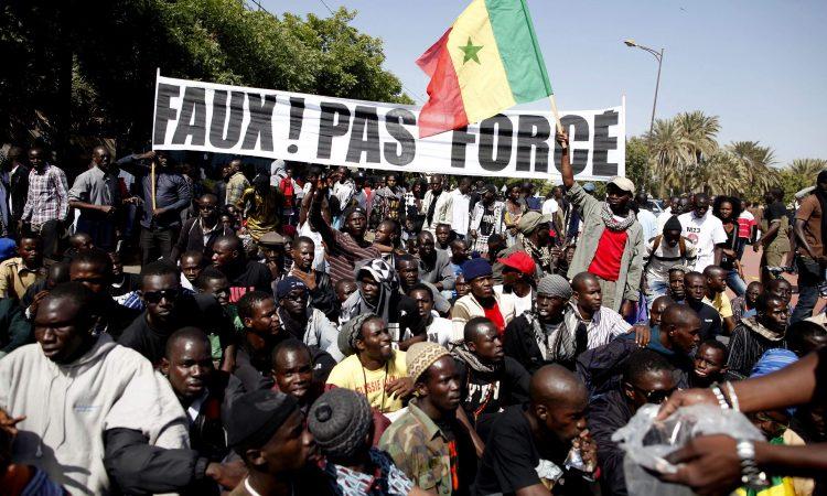 Alors que la démocratie sénégalaise semble piégée entre des problèmes de gouvernance, Mohamadou Fadel Diop se demande si les réformes institutionnelles qui vont délivrer le pays viendront d